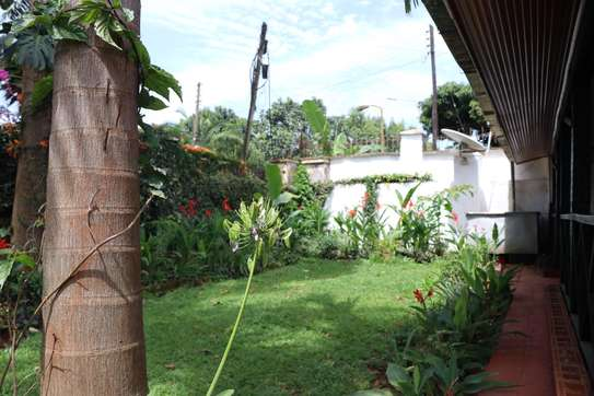 Furnished 2 bedroom house for rent in Gigiri image 10