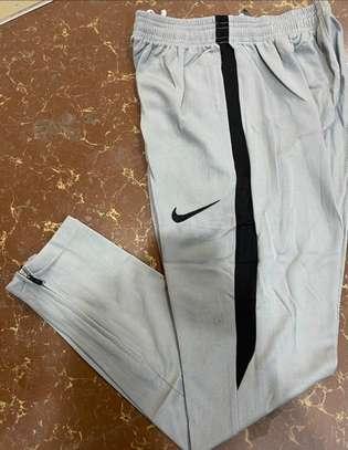 Nike sweatpants sport image 2