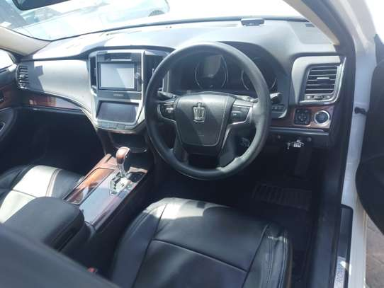 Toyota Crown Royal 2.5 image 2