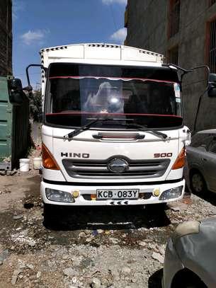 Ten tonnes Hino truck box cover body image 1