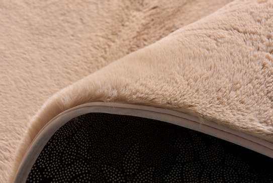 High quality, soft fluffy carpets image 8