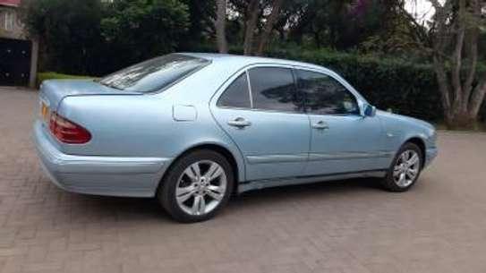 1993 Mercedes-Benz E200 KAS auto petrol drives smooth Mint image 1