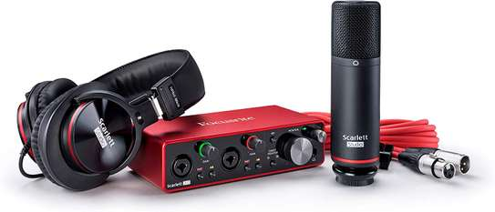 Focusrite Scarlett 2i2 Studio (3rd Gen) USB Audio Interface and Recording Bundle with Pro Tools