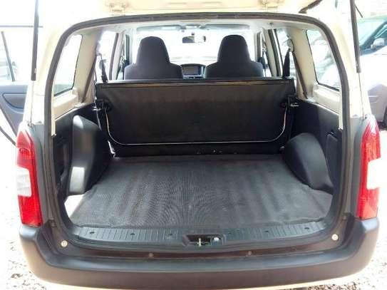 Toyota Probox image 5
