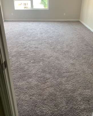 Standard wall to wall carpets image 2