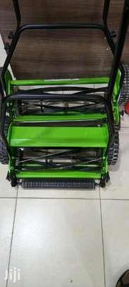 16manual lawn mower image 1