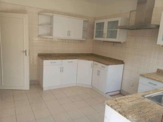 6 bedroom to let in kileleshwa image 5