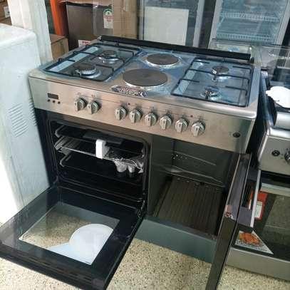 Six burner cooker image 3
