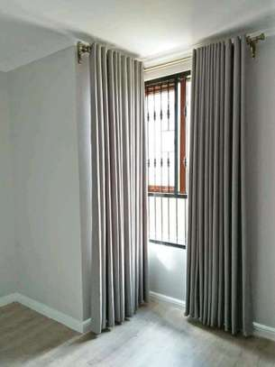 Beautiful and well designed curtains image 4