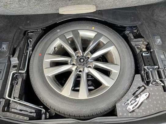 Lexus LS 4.6 V8 image 12