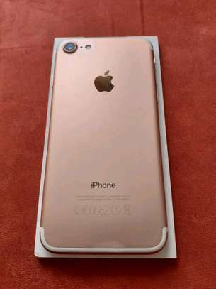Apple Iphone 7 Gold 256 Gb & Iwatch Series 4 image 1