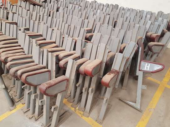 375 Folding Theatre Seats/Chairs image 4