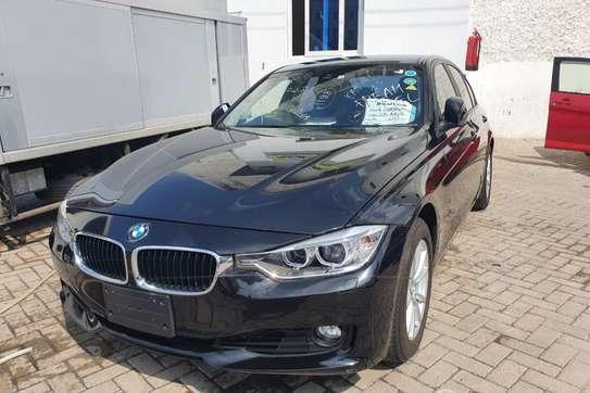BMW 320i image 5