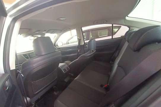 Subaru Legacy image 11