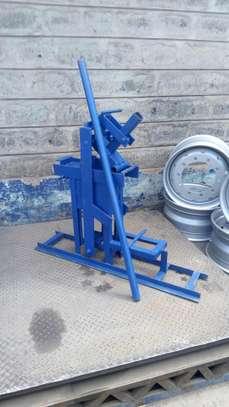 Interlocking soil block press image 5