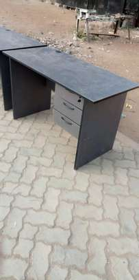 Strong office desk with right side drawers image 1