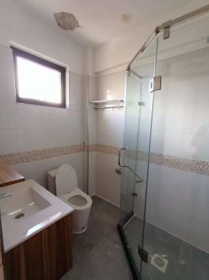 2 bedroom apartment for rent in Kilimani image 11
