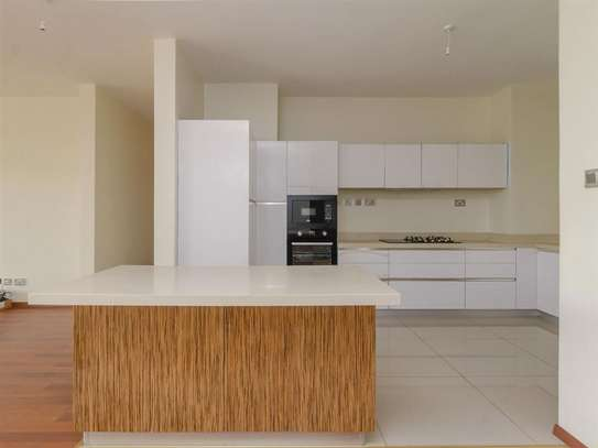 Parklands - Flat & Apartment image 5