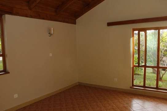 2 bedroom house for rent in Ridgeways image 3