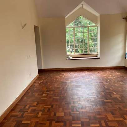 5 bedroom villa for rent in Lavington image 10