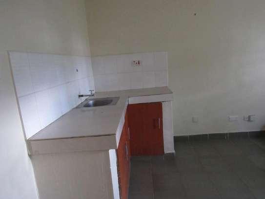 Studio Apartment image 3