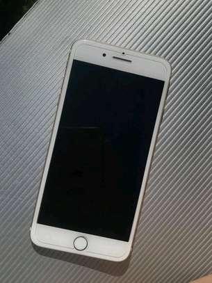 Apple Iphone 7 Plus .. 256 Gigabytes image 2