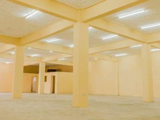 799 m² warehouse for rent in Imara Daima image 6