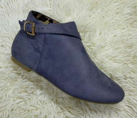 Flat suede Ankle boots image 4