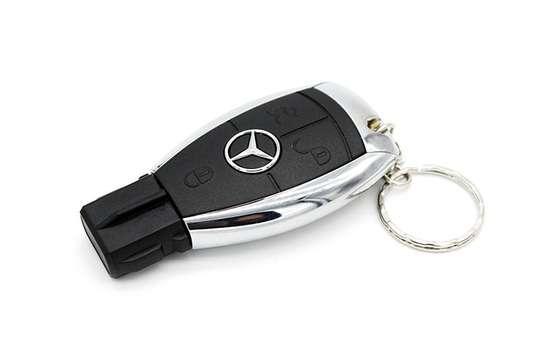 Mercedes Benz 8gb Usb Flash Drive image 1