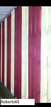 maroon and white blended blinds image 1