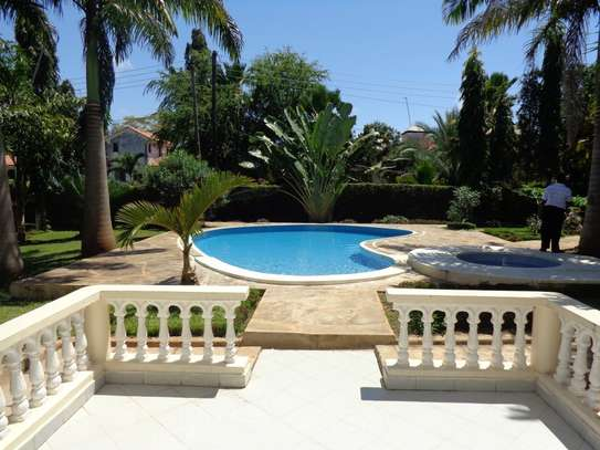 4 br fully furnished house with swimming pool for rent in Nyali. ID1529 image 8