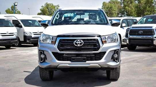 Toyota Hilux image 1