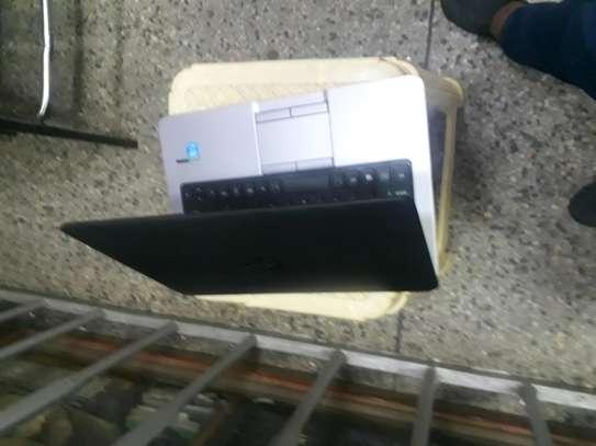 Laptop HP 820 i5 image 3