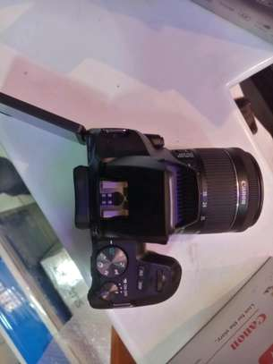 Canon 250D image 3