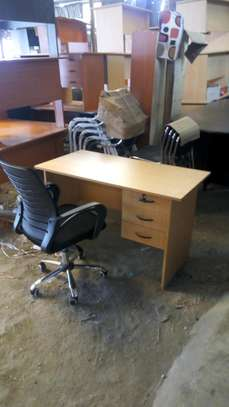 office desk and chair image 1