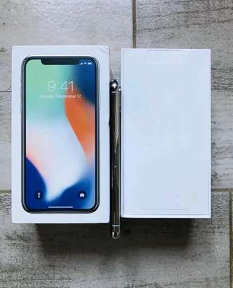 Apple IPhone x 256 Gigabytes Silver And Airpods image 3