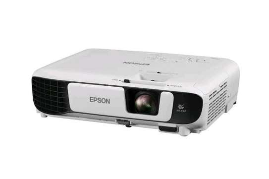 Epson EB-X41 3LCD, 3600 Lumens, 300 Inch Display, XGA Projector - White image 4