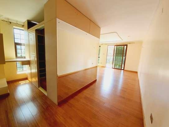 4 bedroom house for rent in New Kitusuru image 3