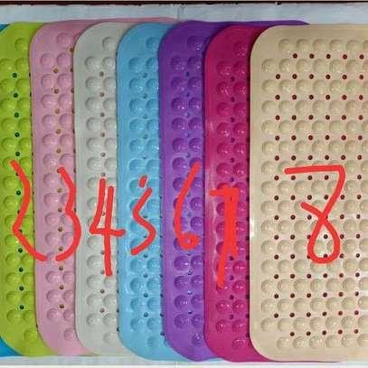 Anti-slip bathroom mats image 2