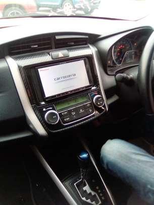 Toyota Fielder Hybrid image 5
