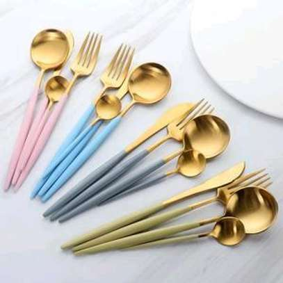 Golden stainless steel cutlery image 3