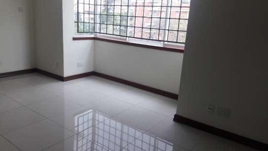 4 bedroom apartment for rent in Rhapta Road image 3