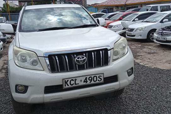 Toyota Land Cruiser Prado VX V6 image 4