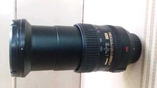 Nikon camera lens 18-200mm image 2