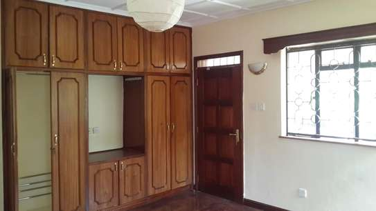 4 bedroom house for sale in Nyari image 9