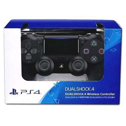 Wireless PS4 dual shock controller image 2