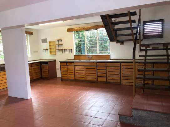 2 bedroom house for rent in Lavington image 8
