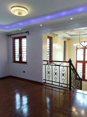 4 bedrooms mansion to let image 7
