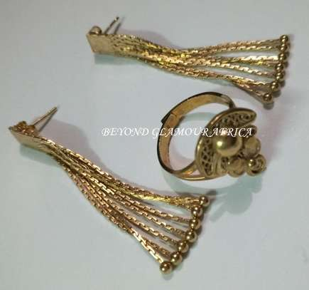 Gold plated tassel earrings with a ring image 1