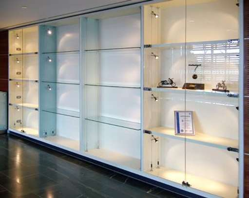 frameless display case image 1